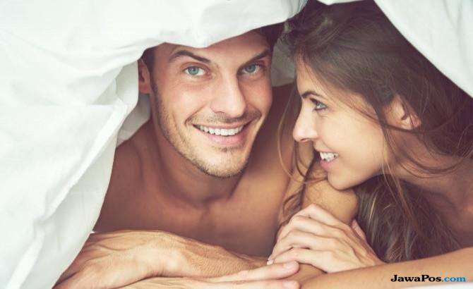 Lebih Bergairah, Ini 10 Rahasia Posisi Seks Sambil Berdiri