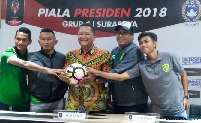 Panpel Persebaya 'Bersihkan' Akses Menuju Stadion GBT