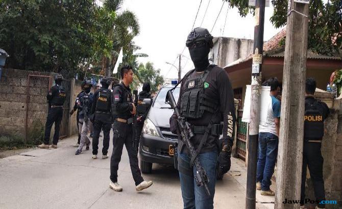Polisi Masih Periksa Intensif Tiga Warga Blitar Yang Diduga Teroris