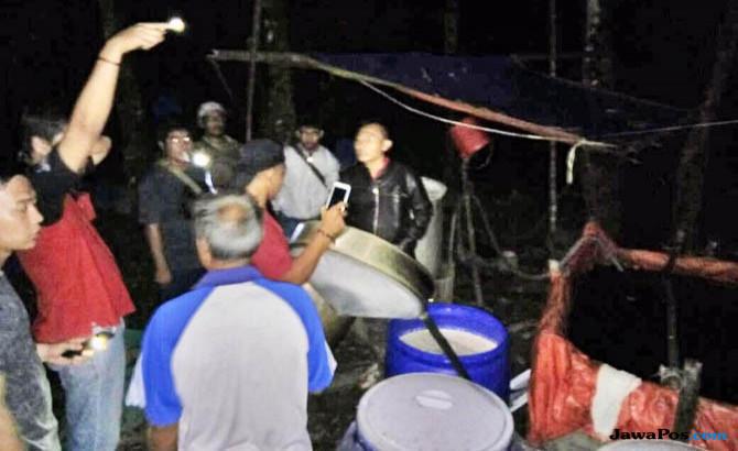 Polres Sanggau Gerebek Pabrik Miras Rumahan, Tujuh Pelaku Ditangkap
