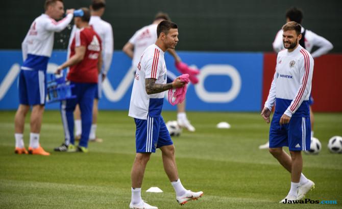 Fyodor Smolov, Timnas Rusia, Timnas Arab Saudi, Piala Dunia 2018, Pencetak Gol Pertama