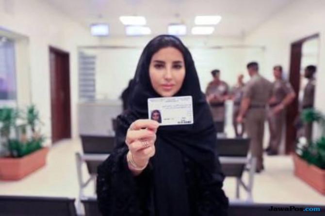 120.000 Perempuan Saudi Ajukan SIM
