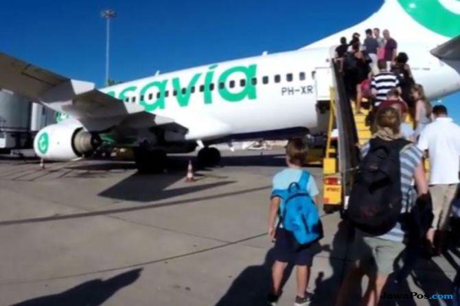 32 Ribu Penumpang Pesawat Terlantar karena Satu Perempuan Penyusup