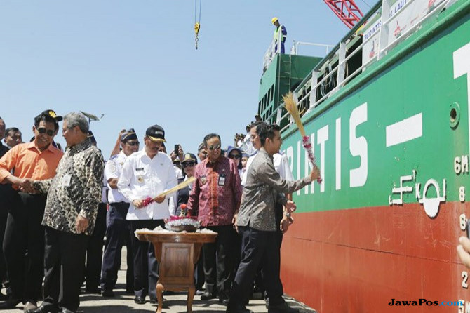 Absen Kampanye, Emil Turut Resmikan Pelayaran Perintis Selatan Jawa