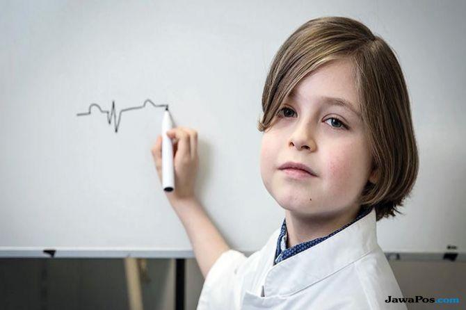 Ajaib, Bocah Jenius 8 Tahun Ini Masuk Kuliah