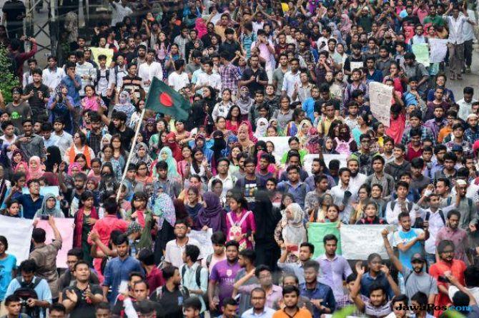aksi demo siswa bangladesh makin ricuh