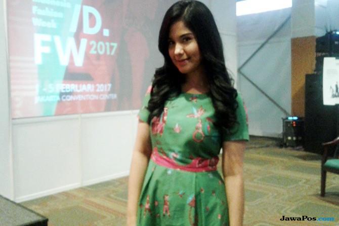 Annisa Pohan Muncul di Acara Indonesia Fashion Week