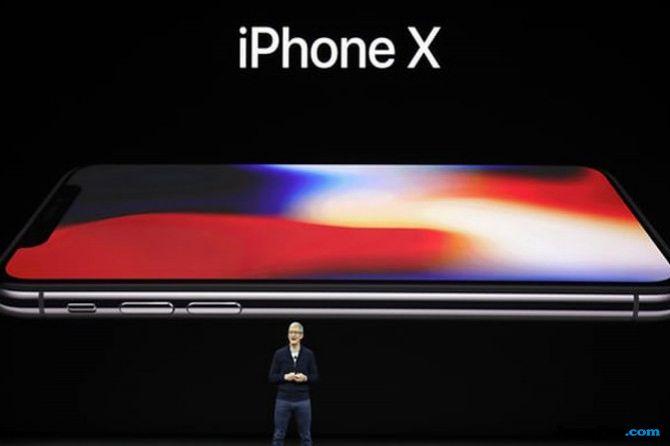 Apple Jadi Perusahaan Publik Pertama yang Bernilai Satu Triliun Dolar