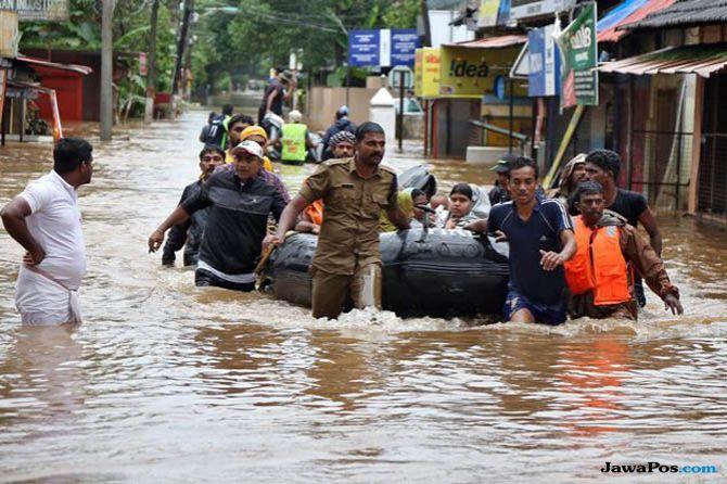 banjir kerala, banjir kerala india, evakuasi banjir kerala