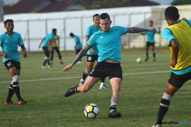 Barito Putera, Liga 1 2018, Persebaya Surabaya