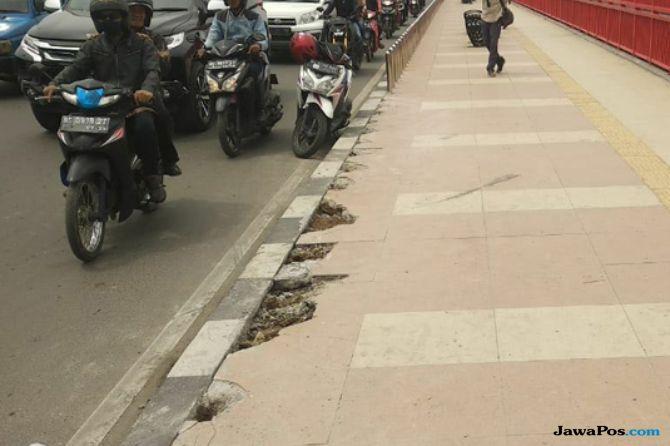 Baru Dibenahi, Pedestrian Ampera Dirusak, Pelakunya Terekam CCTV
