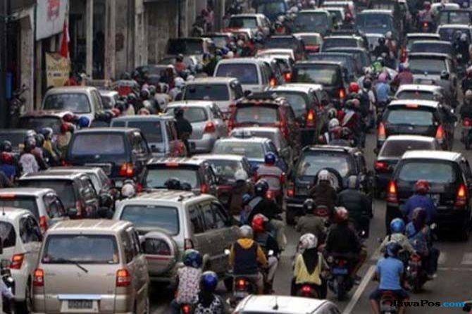 Bukan Dibatalkan, Kebijakan Pembatasan Roda Dua Cuma Ditunda