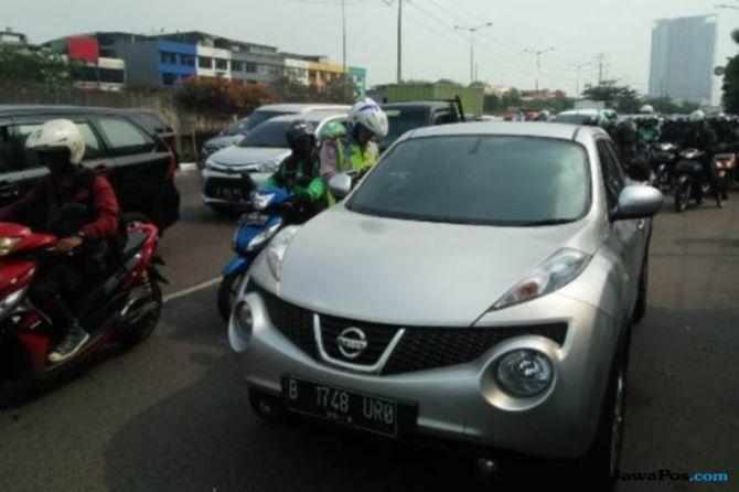 Catat Nih Driver Taksi Online! Polisi Tidak Pandang Bulu