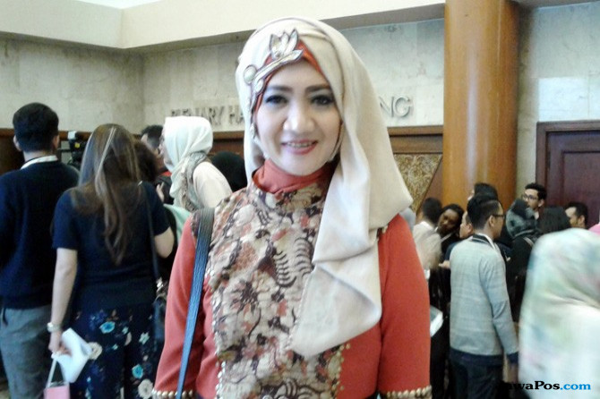 Cerita Desainer Fesyen Muslimah di Indonesia Fashion Week 2017