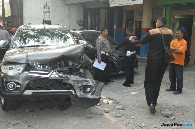 Darah Tinggi Kambuh, Pengemudi Pajero Tewas Seruduk Dua Mobil