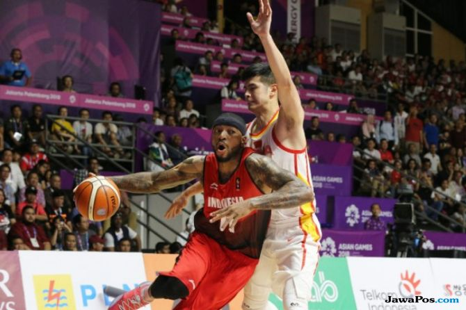 Asian Games 2018, basket, Indonesia, Tiongkok, Fictor Gideon Roring