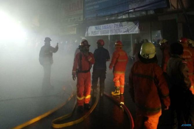 Diduga Korsleting Listrik, Kios Gadai di Pasar Minggu Hangus Terbakar