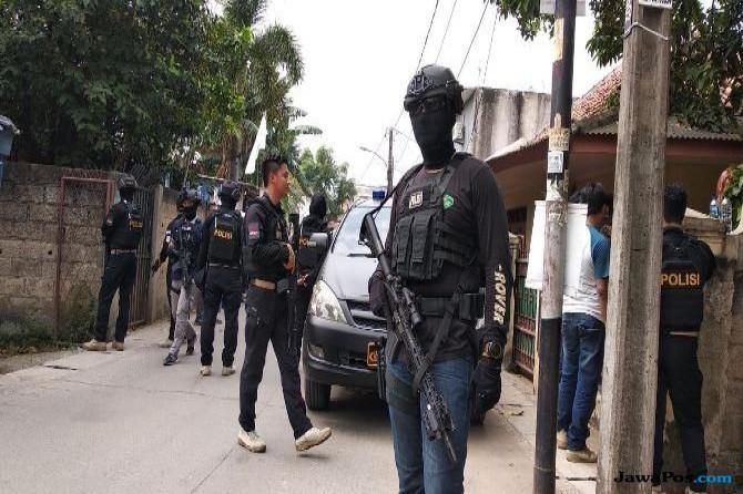 Diduga Teroris, Densus 88 Lakukan Penggrebekan di Tangerang Kota