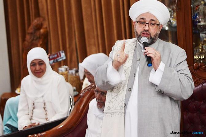 Dikunjungi Syekh Afifuddin Al-Jailani, Khofifah Kembali Didoakan