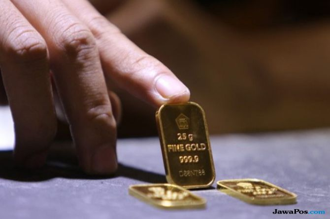 Dolar Bergerak Stabil , Emas Antam Dibandrol Rp666 Ribu Per Gram