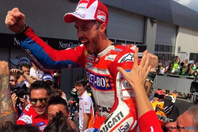 Duel Ketat dengan Marquez, Dovizioso Akhirnya memenangi MotoGP Austria