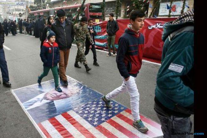 Ekonomi Memburuk, Iran Pecat Menteri Keuangan