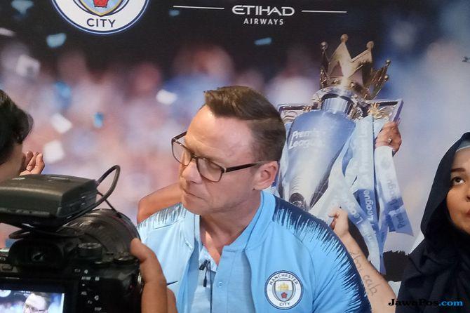 Paul Dickov, Manchester City, Centurion Trophy Tour
