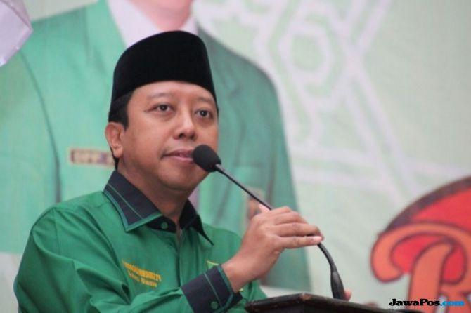 Hobi Nge-Vlog, Rommy Dapat Julukan dari Jokowi 'Ketum Parpol Milenial'