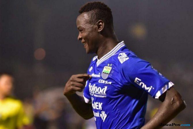 Ezchiel N'Douassel, Liga 1 2018, Persib Bandung, Ismed Sofyan,
