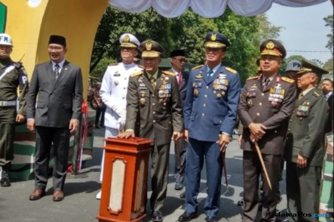 HUT Ke-73, TNI Gelar Pameran Alutsista di Gedung Sate