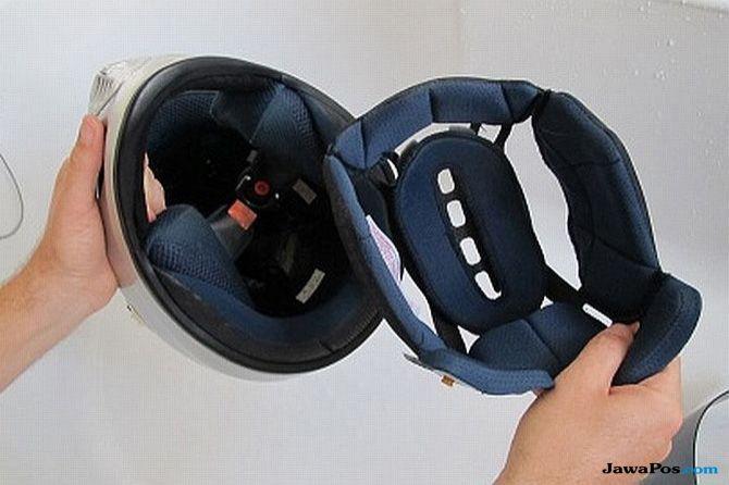 Ingin Busa Helm Bersih Dan Enggak Kusut? Begini 4 Cara Cucinya Bro