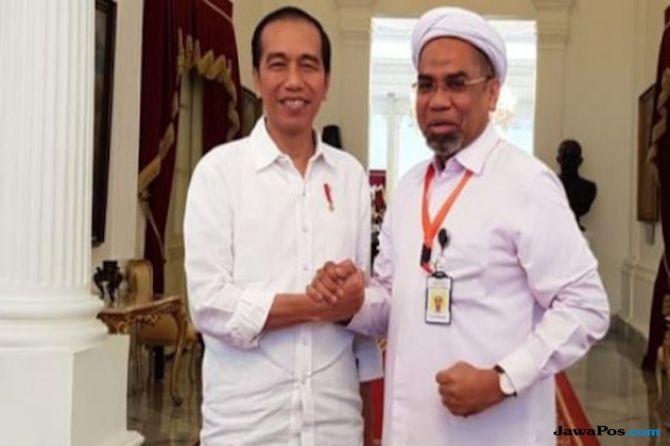 Jokowi dan Ali Mochtar Ngabalin