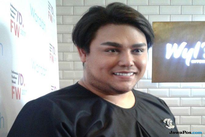 Ivan Gunawan Angkat Nama Kudus di Indonesia Fashion Week
