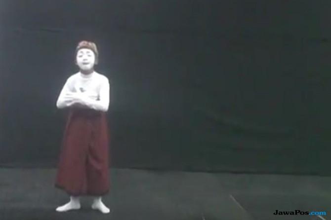 Jadi Kakek 70 Tahun, Bocah SD Asal Tegal Juara 1 Pantomim Nasional
