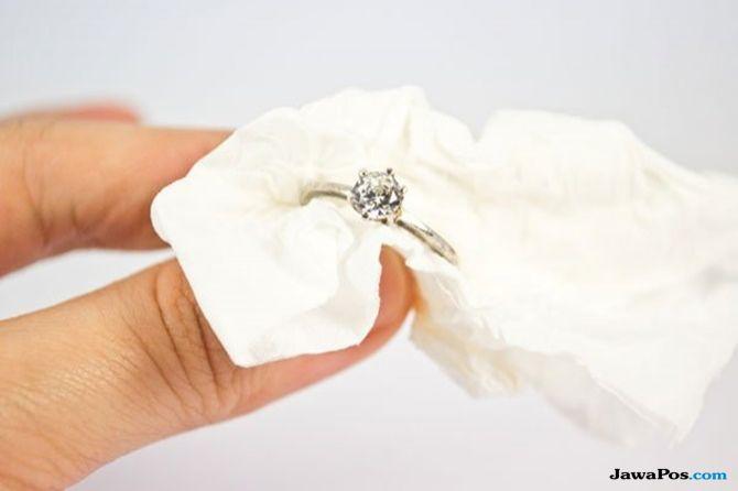 cara merawat perhiasan, tips membersihkan perhiasan,