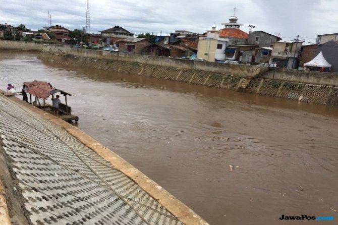 Jawab Tantangan Jokowi,Anies Buat Roadmap Penataan Sungai