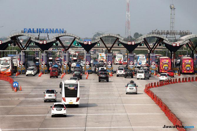 Jumlah Kendaraan di Arus Mudik Menurun, Tol Cikampek Terasa Renggang