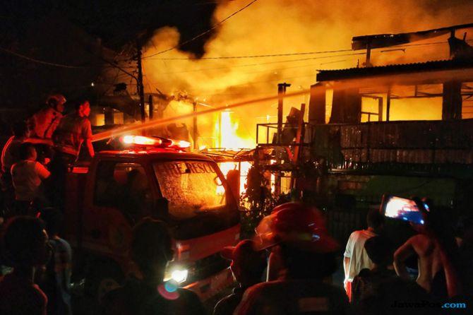 Kebakaran Renggut 6 Nyawa, Jasad Korban Ditemukan Sedang Berpelukan