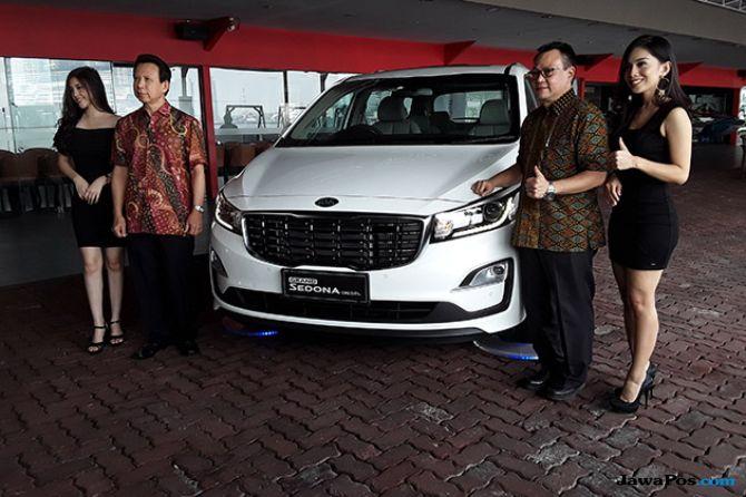 Kia Grand Sedona Diesel: Meluncur Perdana Di Pantai Mutiara Jakarta