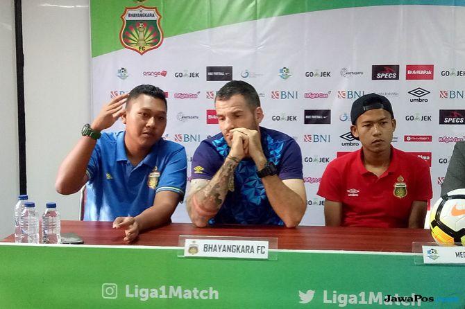 Bhayangkara FC, Liga 1 2018, Simon McMenemy, Perseru Serui
