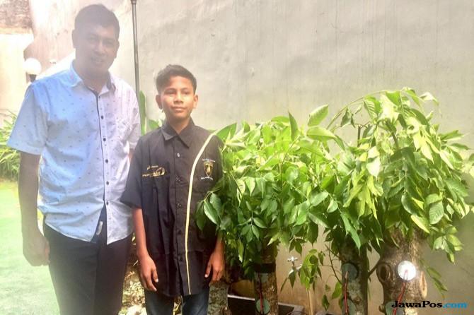 Kisah Mengagumkan Naufal Raziq, Bocah Aceh Penemu Energi Listrik dari Pohon Kedondong
