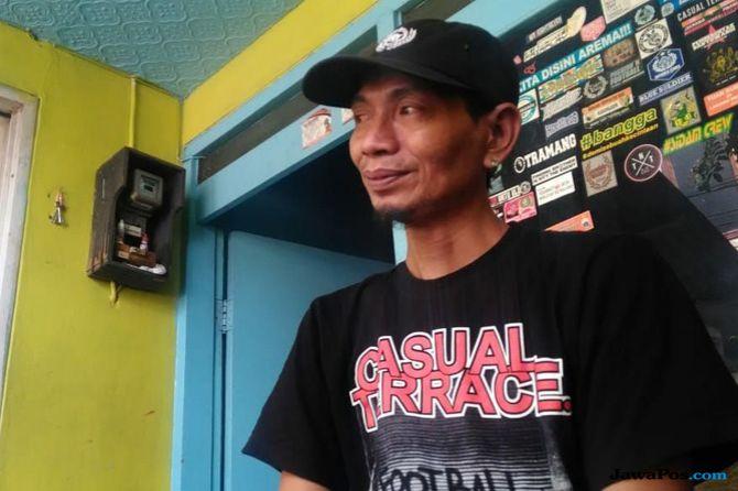 Kisah Yuli Sumpil, Dirigen Aremania yang Disanksi PSSI Seumur Hidup
