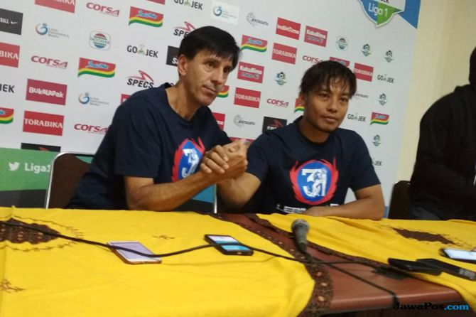 Milan Petrovic, Arema FC, Liga 1 2018, Aremania, Borneo FC