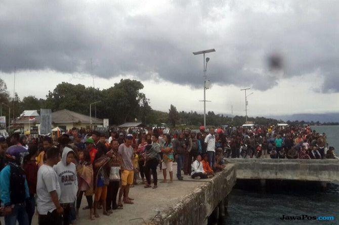 Korban Selamat KM Sinar Bangun Tertolong Kapal Feri