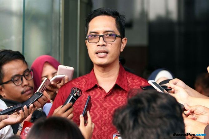 KPK Tahan Tamin Sukardi dan Panitera PN Medan