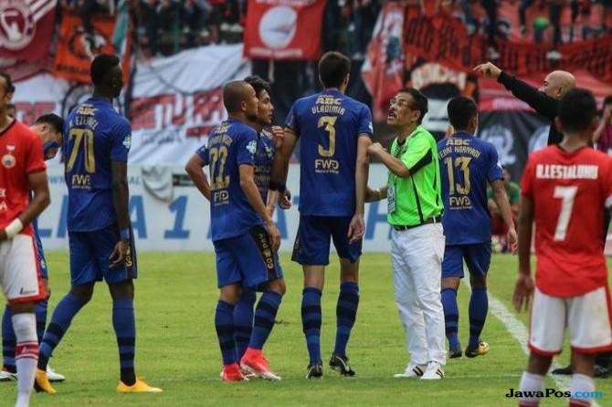 Persib Bandung, Persija Jakarta, Persib kalah 0-3 Persija, PT Liga Indonesia Baru,