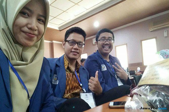 Mahasiswa ITS