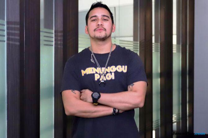Mario Lawalata Alami Cedera Tangan Gara-gara Yayu Unru
