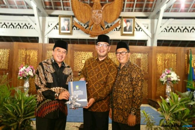Masa Tenang, Kang Emil dan Mang Oded Kembali Urus Bandung