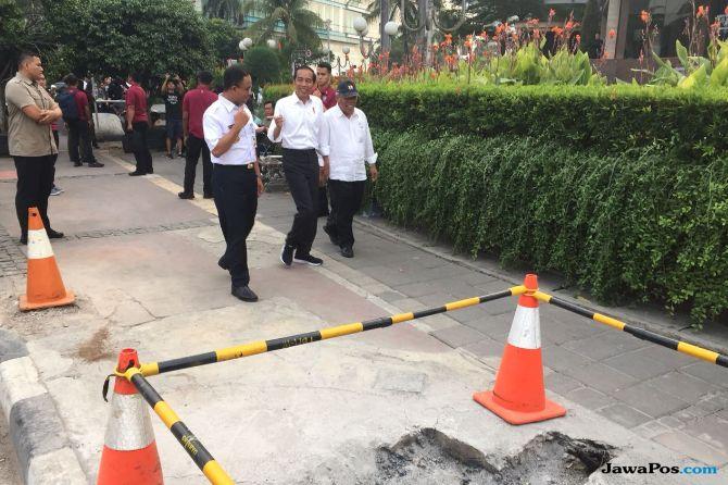 Melihat Keakraban Jokowi-Anies saat Meninjau Pelican Crossing